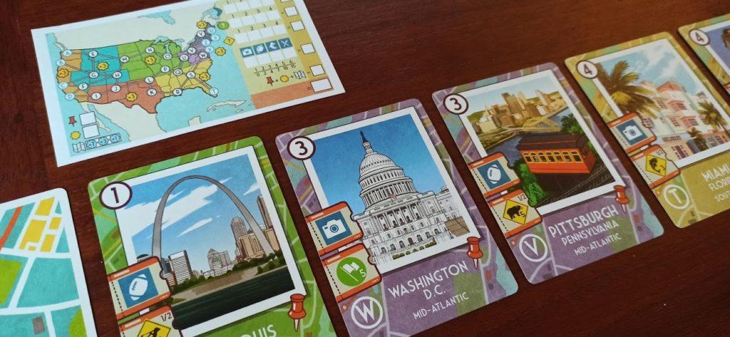 Plateau de jeu avec le feuillet et le chemin des cartes